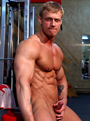 Hot blond bodybuilder Todd Morris naked
