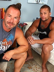 Muscle hotties Matthew Rush and Doug Jeffries fuck