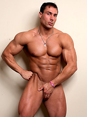LAtin muscleman Barry Marshall naked