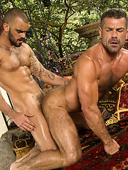 Hair muscle hunks Damien Crosse and Bruno Bond fucking