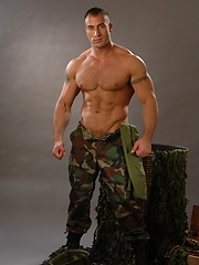 Muscled soldier Spencer Reed