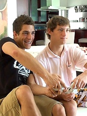 Cute twinks Ariel Vanean and Jack Blue - Condom Free