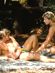 Classic gay porn pics - Leigh Erikson and Steve Wright fucking