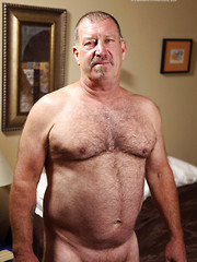 Derik Strongshows his mature hairy body