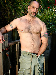 Muscle bear Paxton Hall jacking off his hairy dick