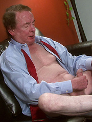 Daddy Dave Martin shows his dick