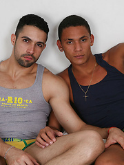Horny latin dude Alex bangs Matheus Wilhans