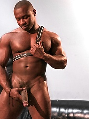 Muscle hunk A.J., Marc Williams and Jordano Santoro goes threesome