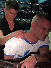 Bryan Helliot gets screwed by Kevin Archer at the bar cruising 'Le Depot' in Paris