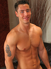 Hot muscle stud Slone jerking off