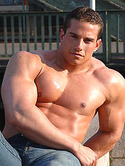 Roberto Castellano, hot latin muscle man